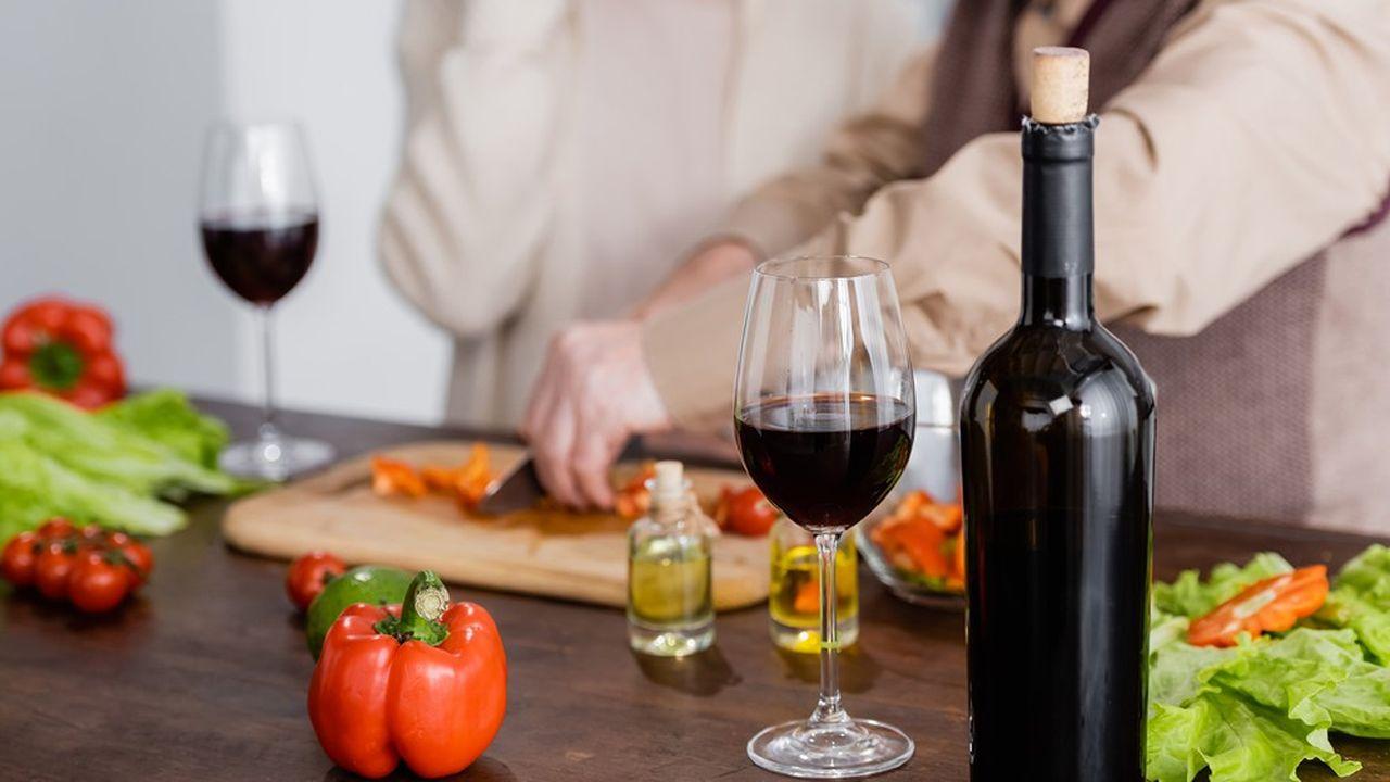 Santé : les cardiaques peuvent encore consommer (modérément) de l'alcool, affirme une étude