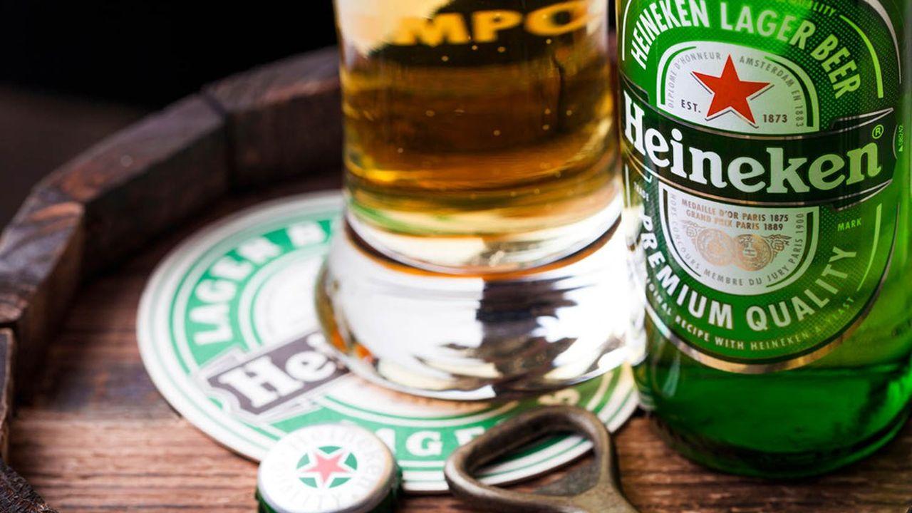 Fondé au XIXesiècle à Amsterdam, Heineken N.V. produit et vend plus de 300marques de bière et de cidre, dont Heineken, Strongbow et Amstel, et emploie plus de 85.000personnes dans le monde.