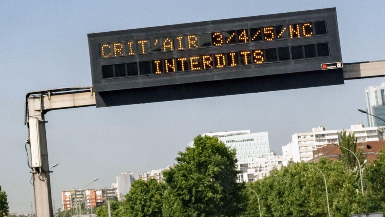 Tous les véhicules Crit'Air 4 et 5 n'ont plus le droit de circuler en semaine dans la ZFE du Grand Paris.