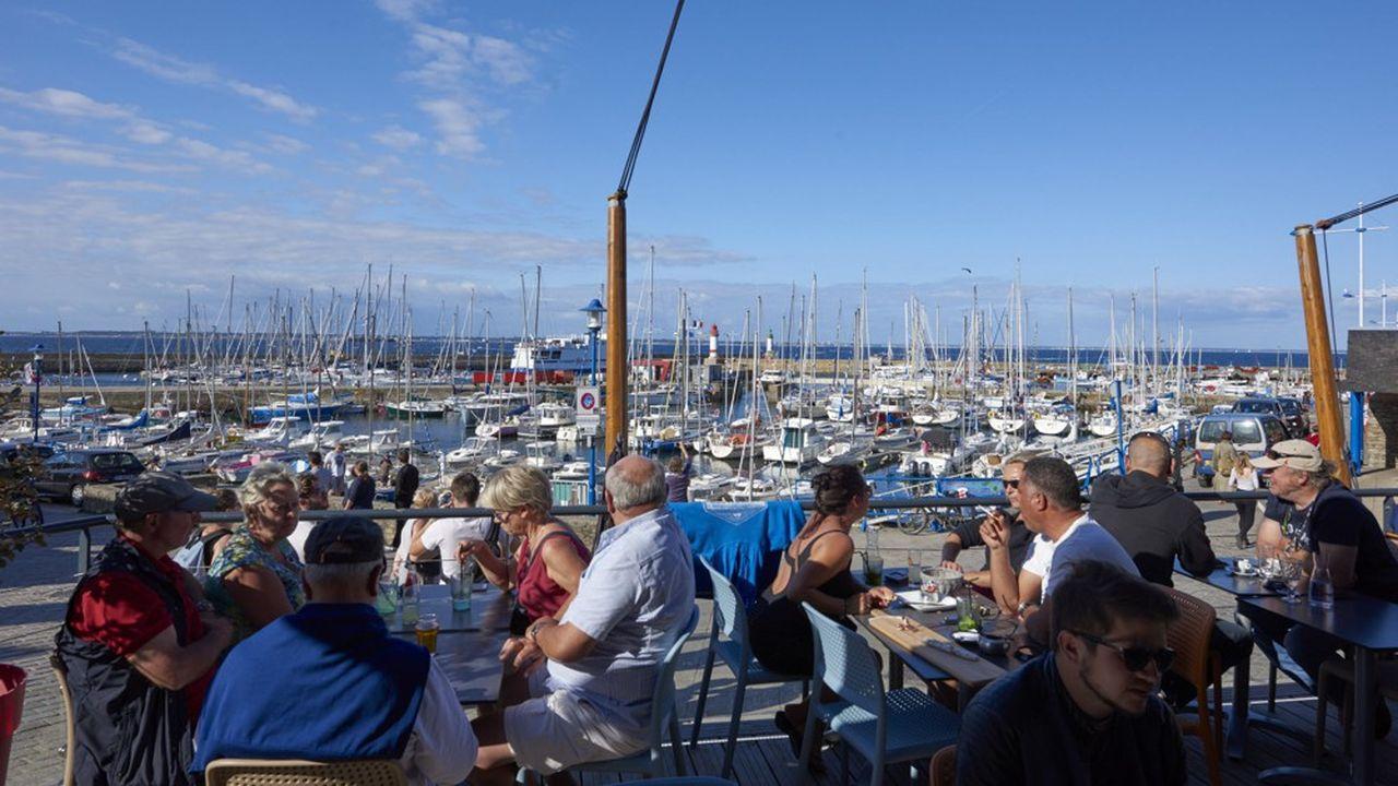 L'île de Groix fait le plein de touristes l'été.