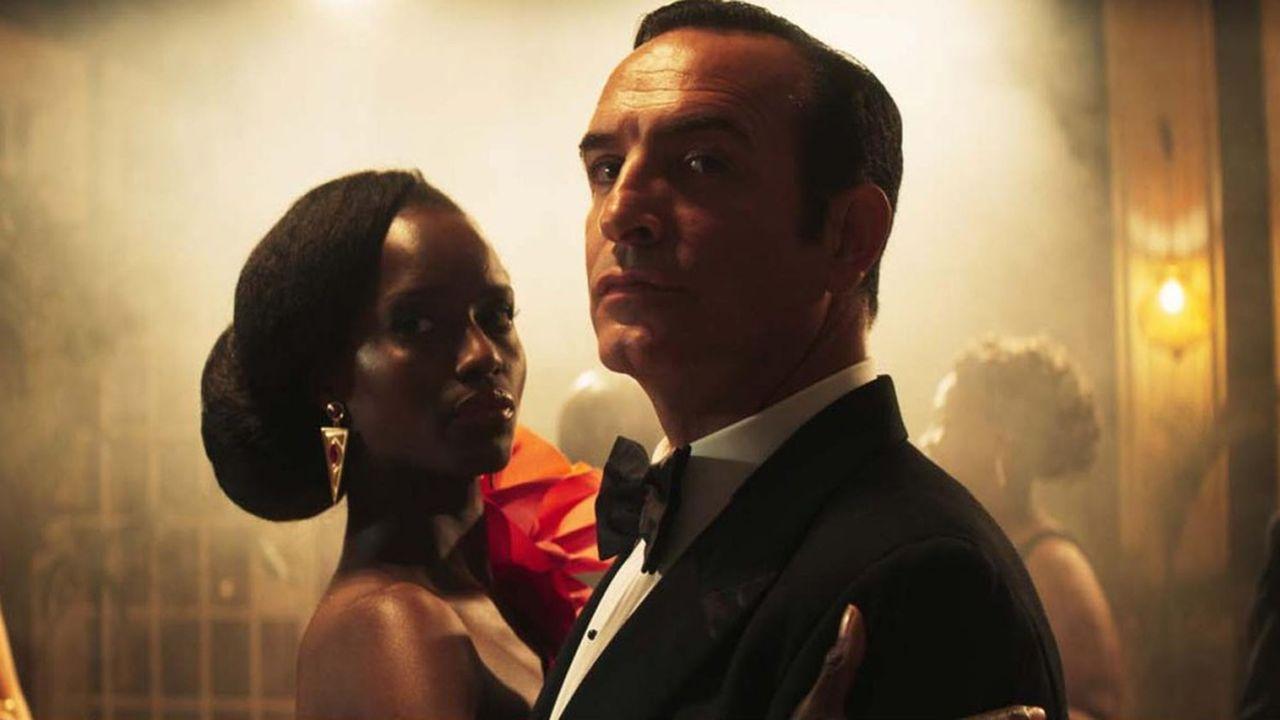Fatou N'Diaye et Jean Dujardin, à nouveau dans le smoking de l'espion bas de plafond.