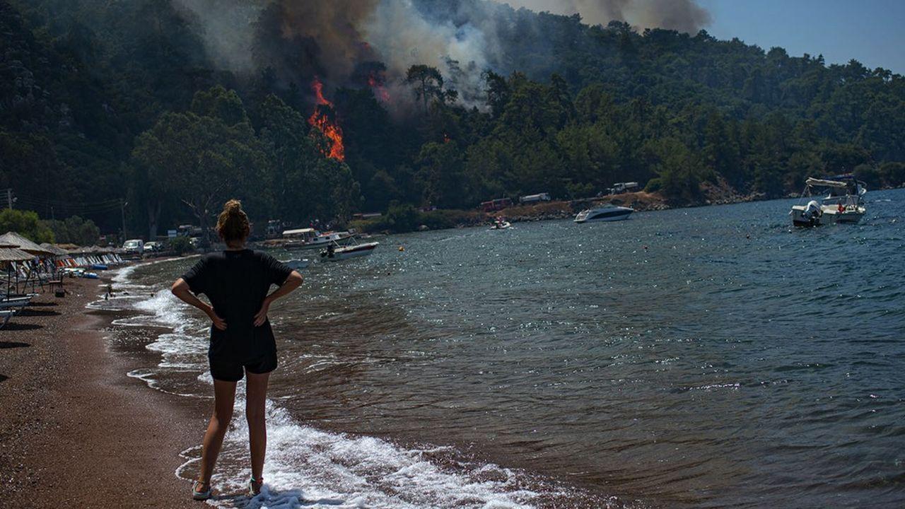 La Turquie fait face à ses pires incendies depuis des décennies. La côte sud, touristique, est particulièrement touchée, comme ici à Marmaris, le 3 août.