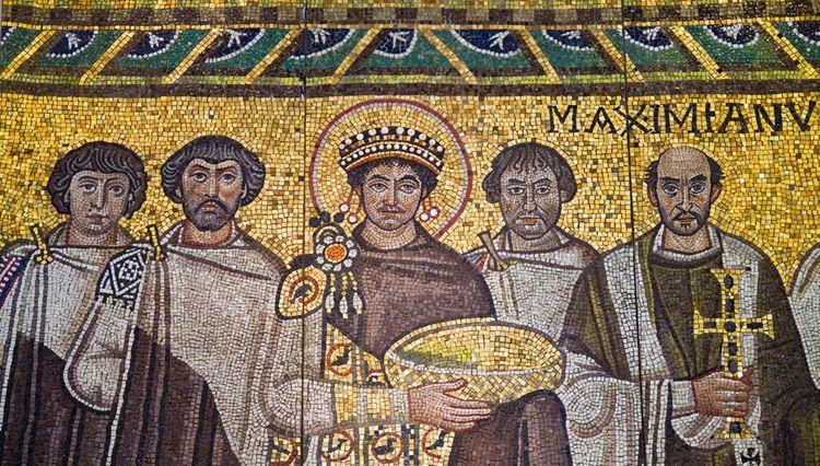 Une mosaïque byzantine représentant l'empereur Justinien Ier (au centre) et sa suite.