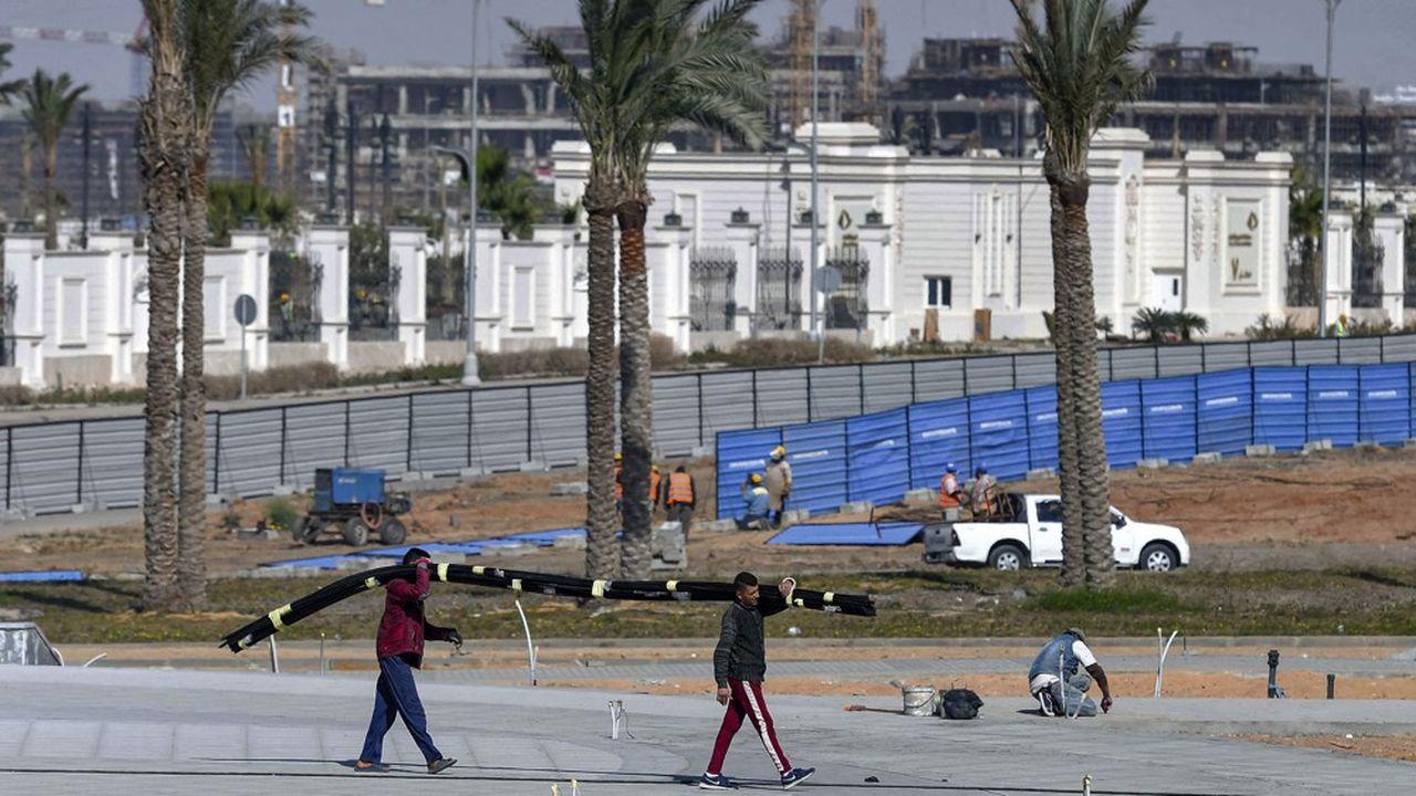 La société d'Etat qui gère le projet de déplacement des centres du pouvoir dans le désert pourrait faire ses premiers pas en Bourse l'année prochaine.