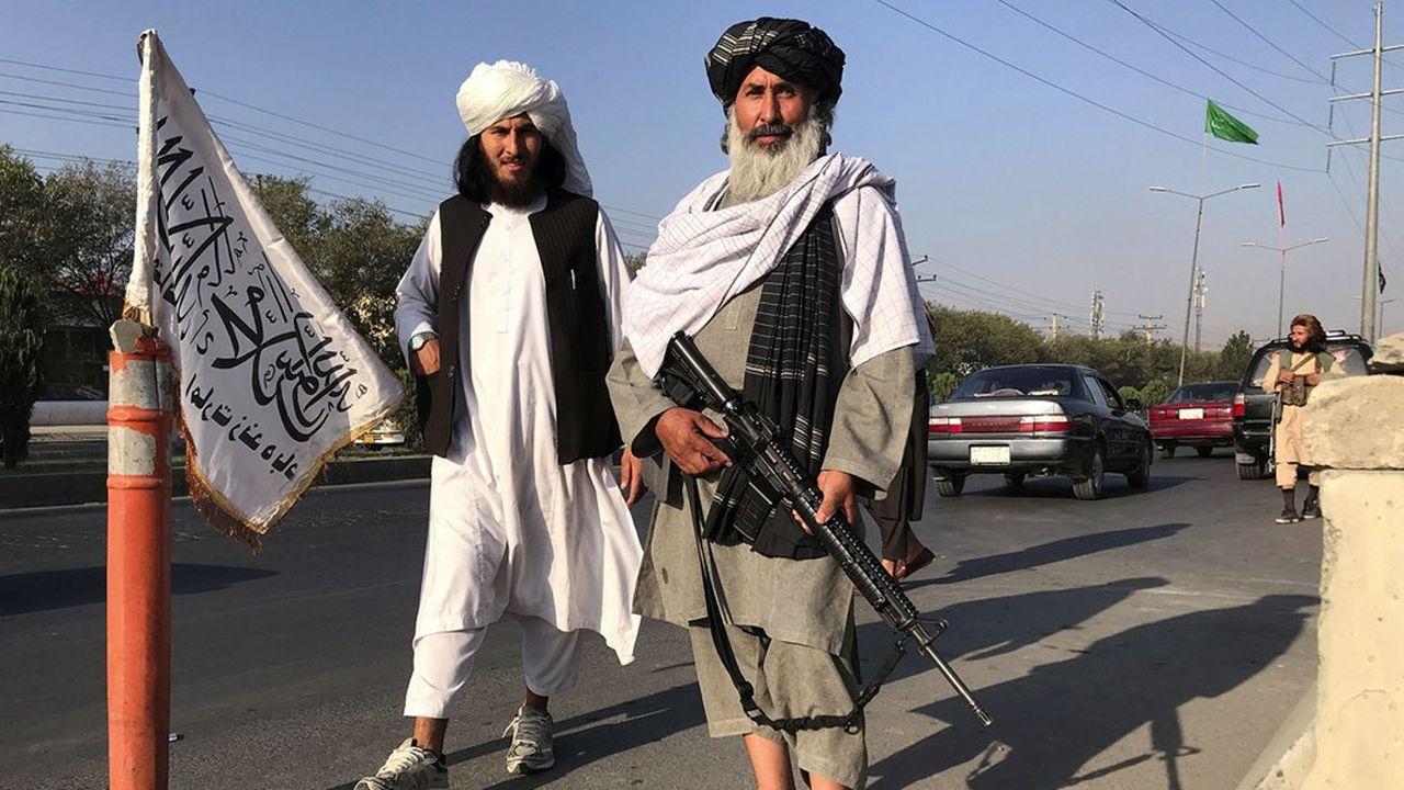 Moscou et Pékin veulent continuer à entretenir des relations avec les talibans, désormais au pouvoir en Afghanistan.