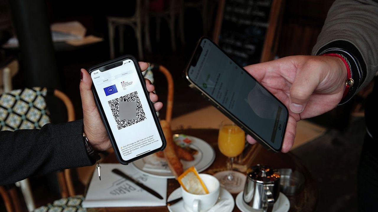 A partir du 9août, la présentation d'un QR Code est devenue obligatoire pour entrer dans un café, un bar, un restaurant ou pour boire un verre en terrasse.