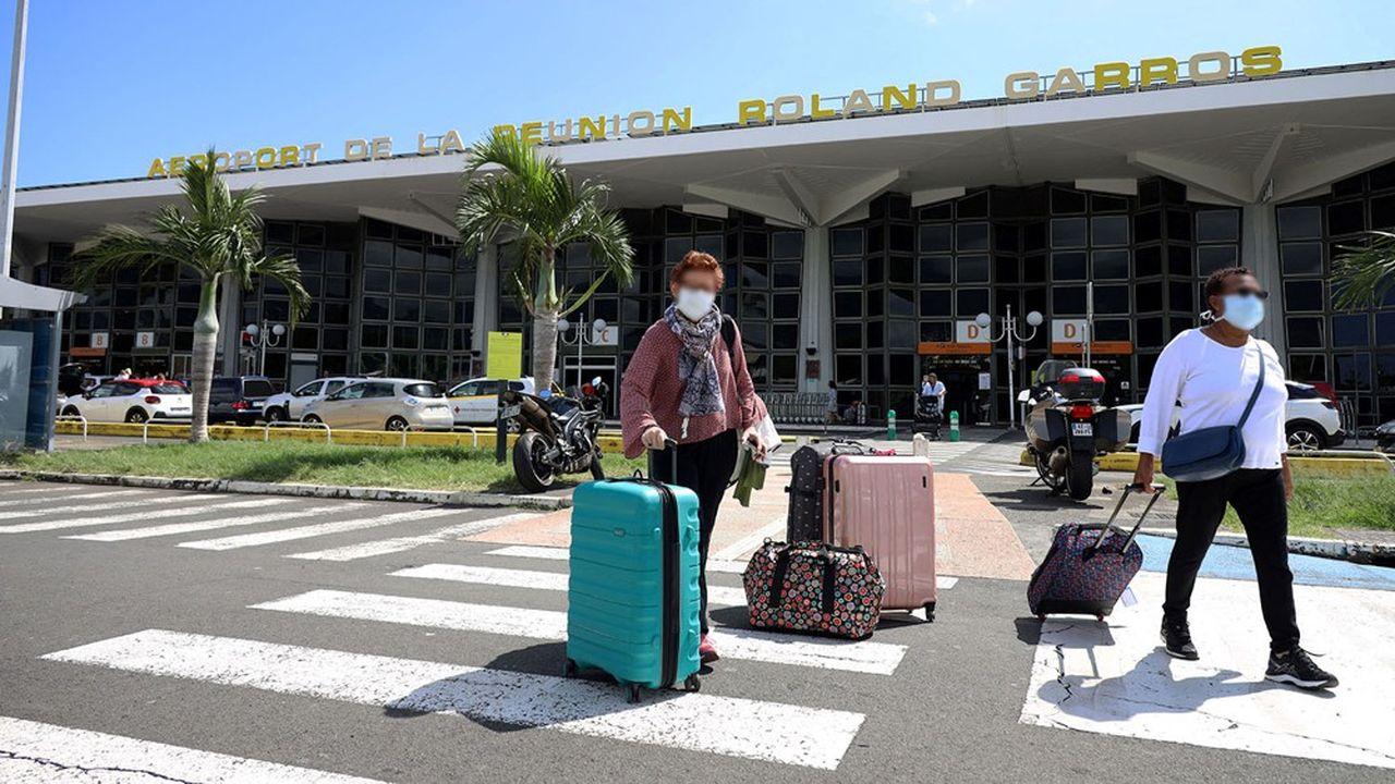 La desserte de La Réunion compte quatre compagnies aériennes françaises.
