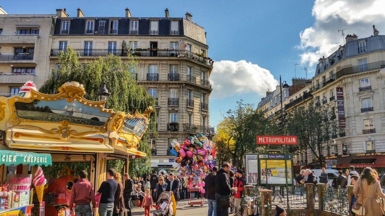 Le XVIII conserve son attrait, et se dynamise même dans certains quartiers tels que la Place Jules Joffrin, qui attire les jeunes.