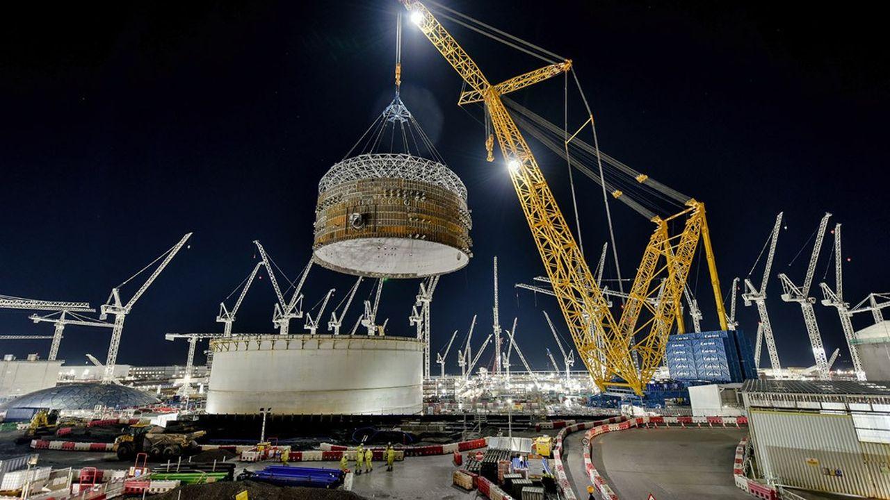 Haute de 250 mètres, la grue géante «Big Carl» soulèvera en 2022 des pièces dépassant le millier de tonnes.