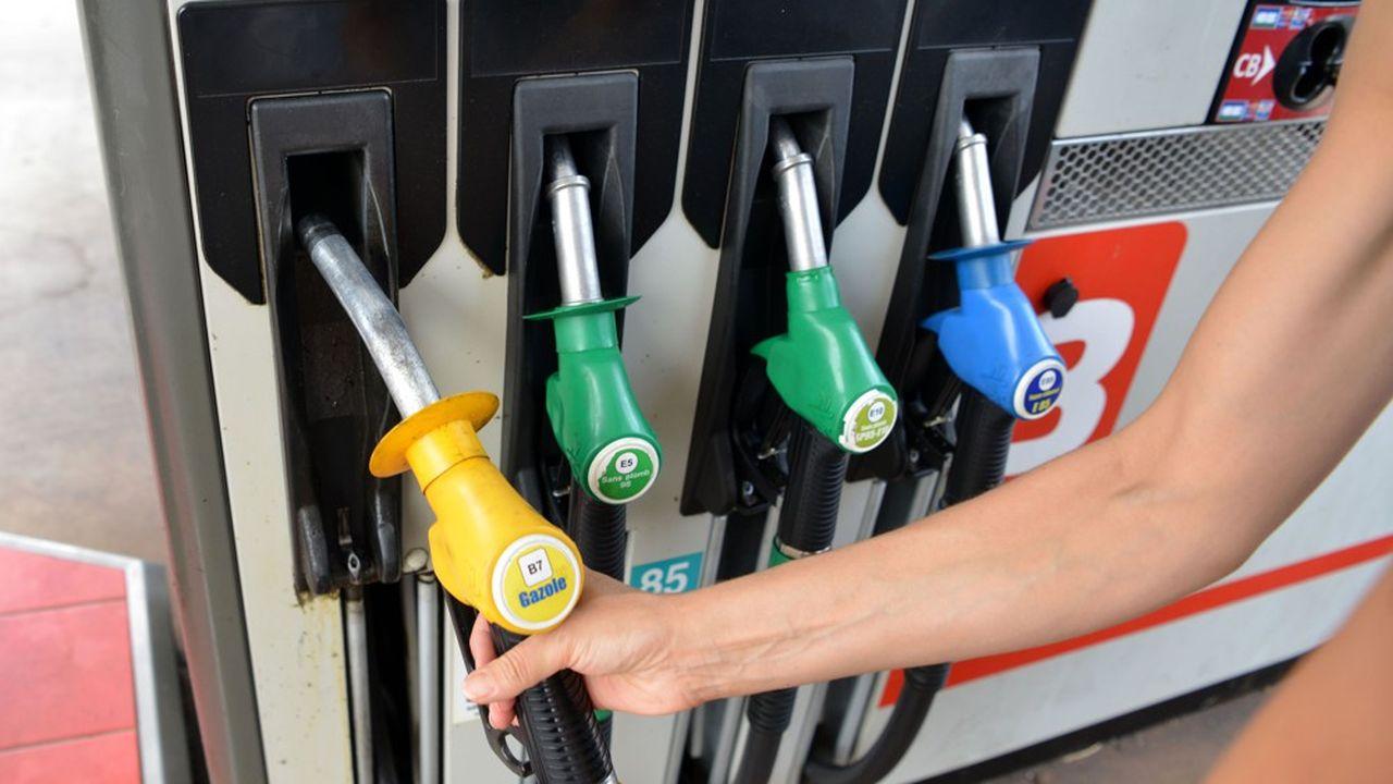 Le litre de gazole, carburant le plus vendu en France, était commercialisé en moyenne 1,43euro dans les stations-service de l'Hexagone la semaine dernière.