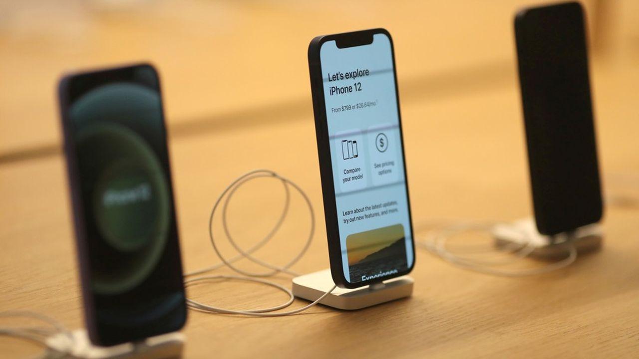 Après les iPhone 12, révélés en octobre2020 (photo), Apple devrait inaugurer une nouvelle gamme d'iPhone à l'automne.