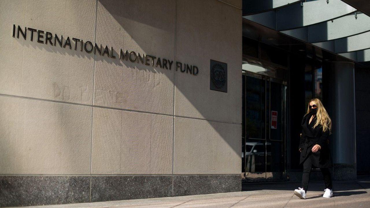 Le FMI devait verser une dernière tranche d'aide à Kaboul dans le cadre d'un programme approuvé le 6novembre 2020 d'un montant total de 370millions de dollars.