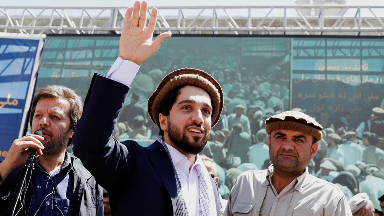 Ahmad Massoud, est le fils de Ahmad Shah Massoud, un commandant qui s'était illustré dans la résistance contre les Soviétiques.