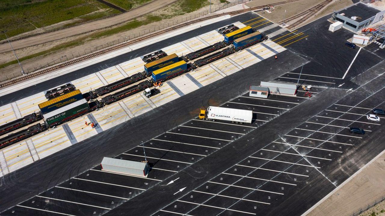 Construit en onze mois par le groupe Eiffage, ce terminal a représenté un investissement total de 32,5millions d'euros pour CargoBeamer.