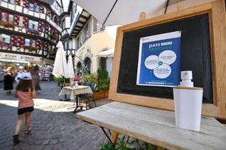 Le «bracelet sanitaire» distribué à Lille n'est valable qu'un seul jour, contrairement à celui donné en Gironde.