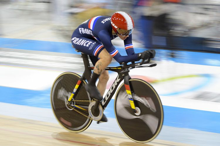 Marie Patouillet lors des Championnats du monde de paracyclisme sur piste 2020 à Milton, au Canada. Elle y a décroché une médaille d'argent au 500 mètres départ arrêté et une médaille d'argent à l'omnium dans sa catégorie.