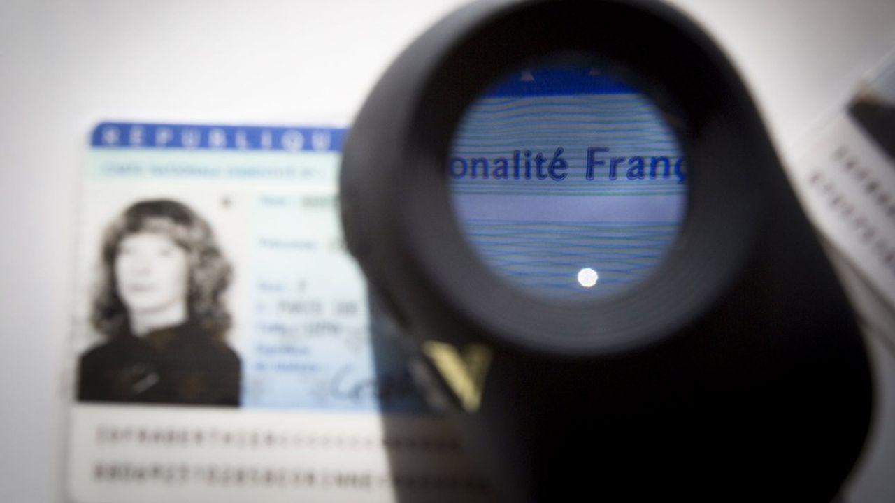 La Banque de France peut procéder à l'inscription d'une personne au fichier central des chèques (FCC) ainsi qu'au fichier national des incidents de remboursement des crédits aux particuliers (FICP). En cas d'usurpation, la mention de celle-ci est accolée au fichage.
