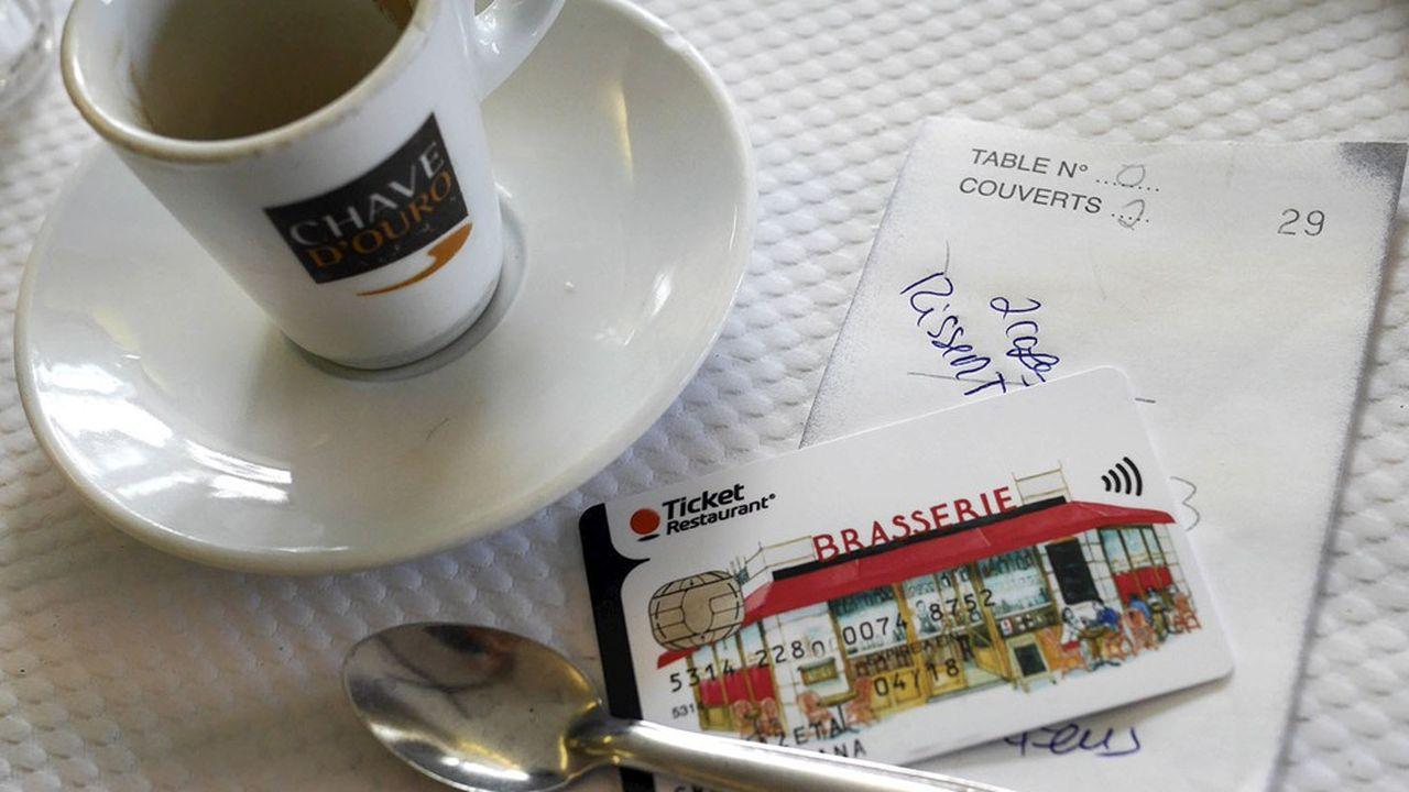 Entre en juin et octobre2020, le panier moyen d'un repas au restaurant payé à l'aide de tickets-restaurants est passé de 14 à 21euros.