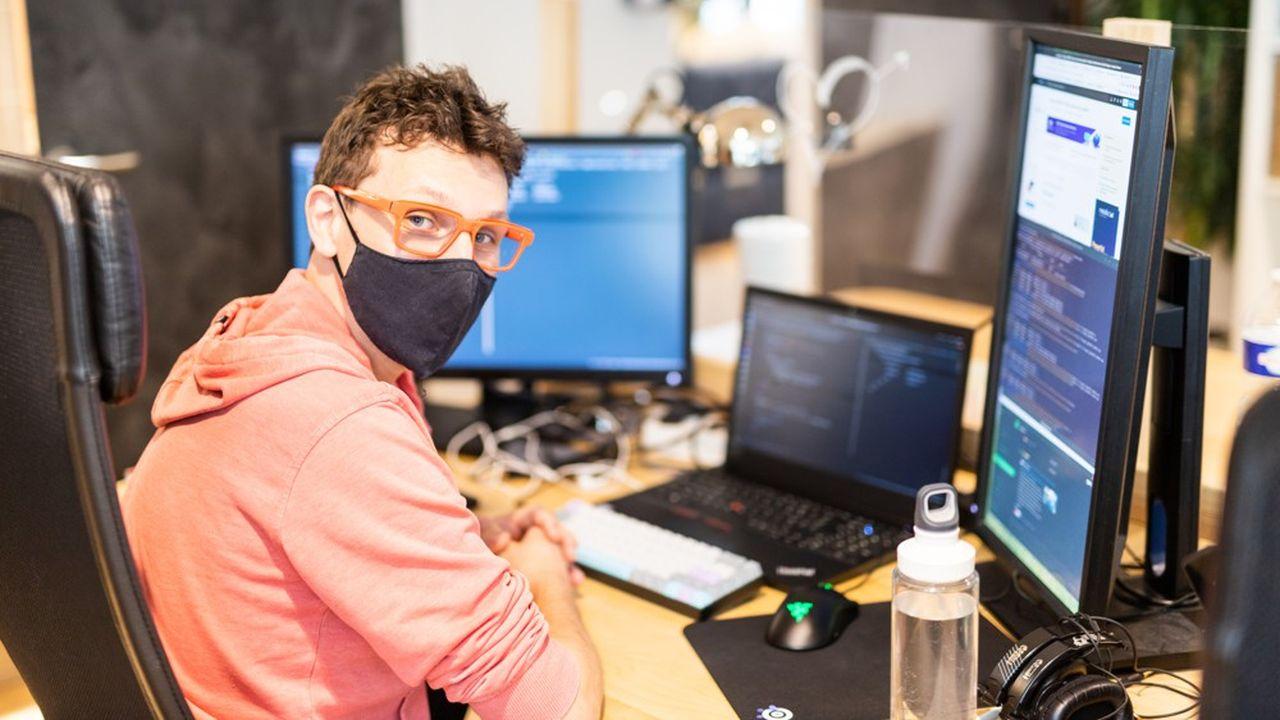 A 37 ans, après une formation de technico-commercial, Sébastien Pelissier est devenu développeur web chez Zol.