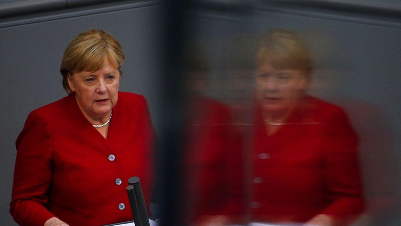 Les Talibans «sont désormais une réalité en Afghanistan», a regretté, amère, Angela Merkel mercredi devant les députés du Bundestag. REUTERS/Michele Tantussi