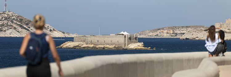 L'île Degaby, dans la baie de Marseille. Le fortin du XVIIIe siècle a appartenu à l'industriel André Laval et son épouse Liane Degaby, artiste de la Belle Epoque.