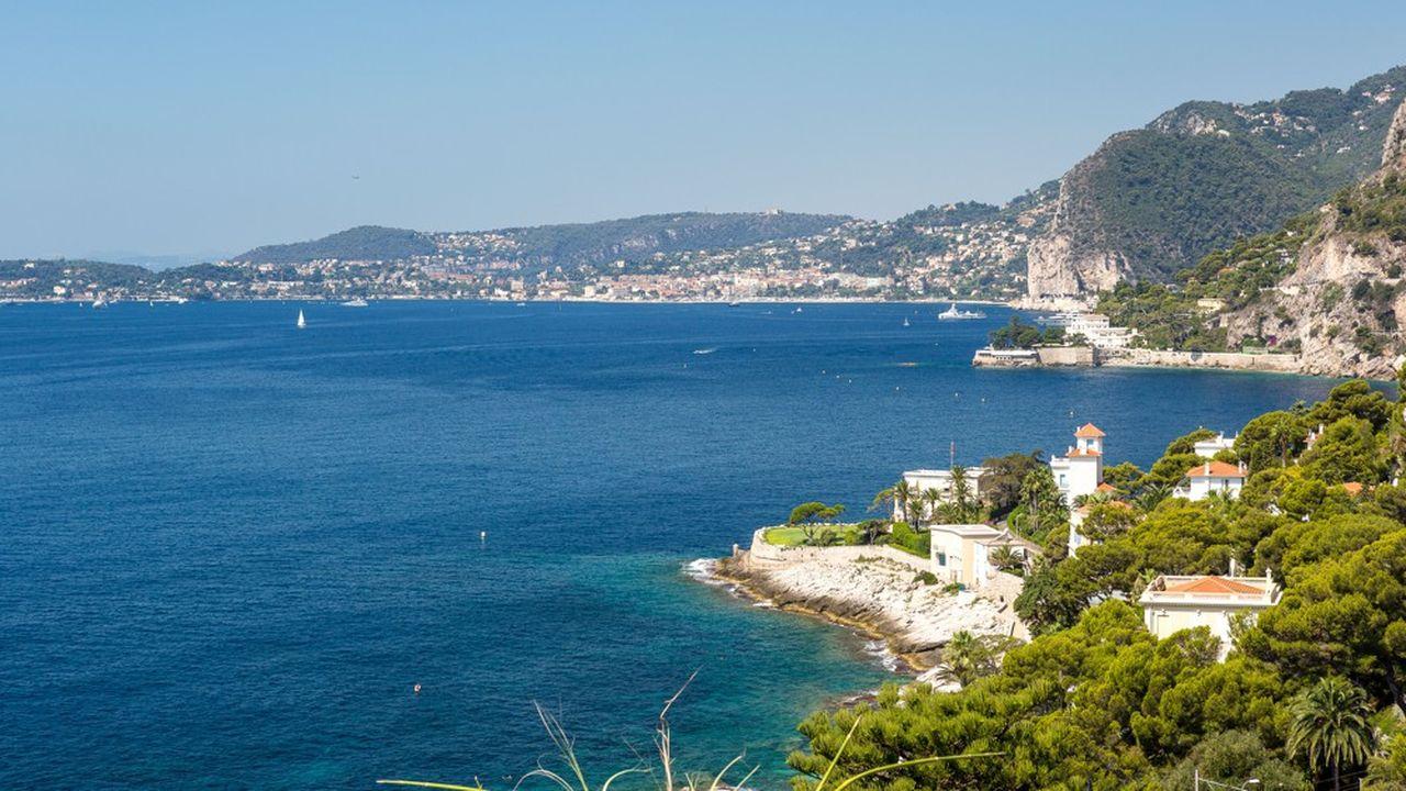 Le marché immobilier de prestige séduit toujours les acquéreurs, notamment sur la Côte d'Azur.