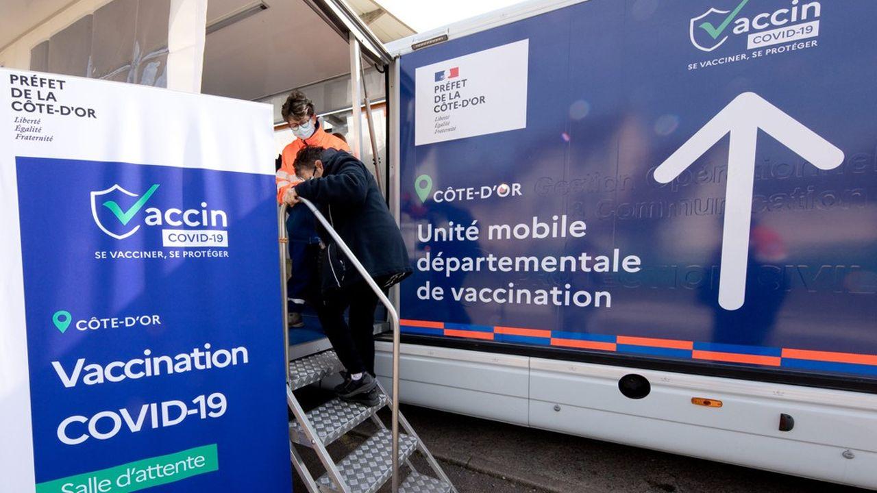 Près de 22.000 personnes ont été vaccinées sur 380 communes visitées par le vaccinobus côte-d'orien.