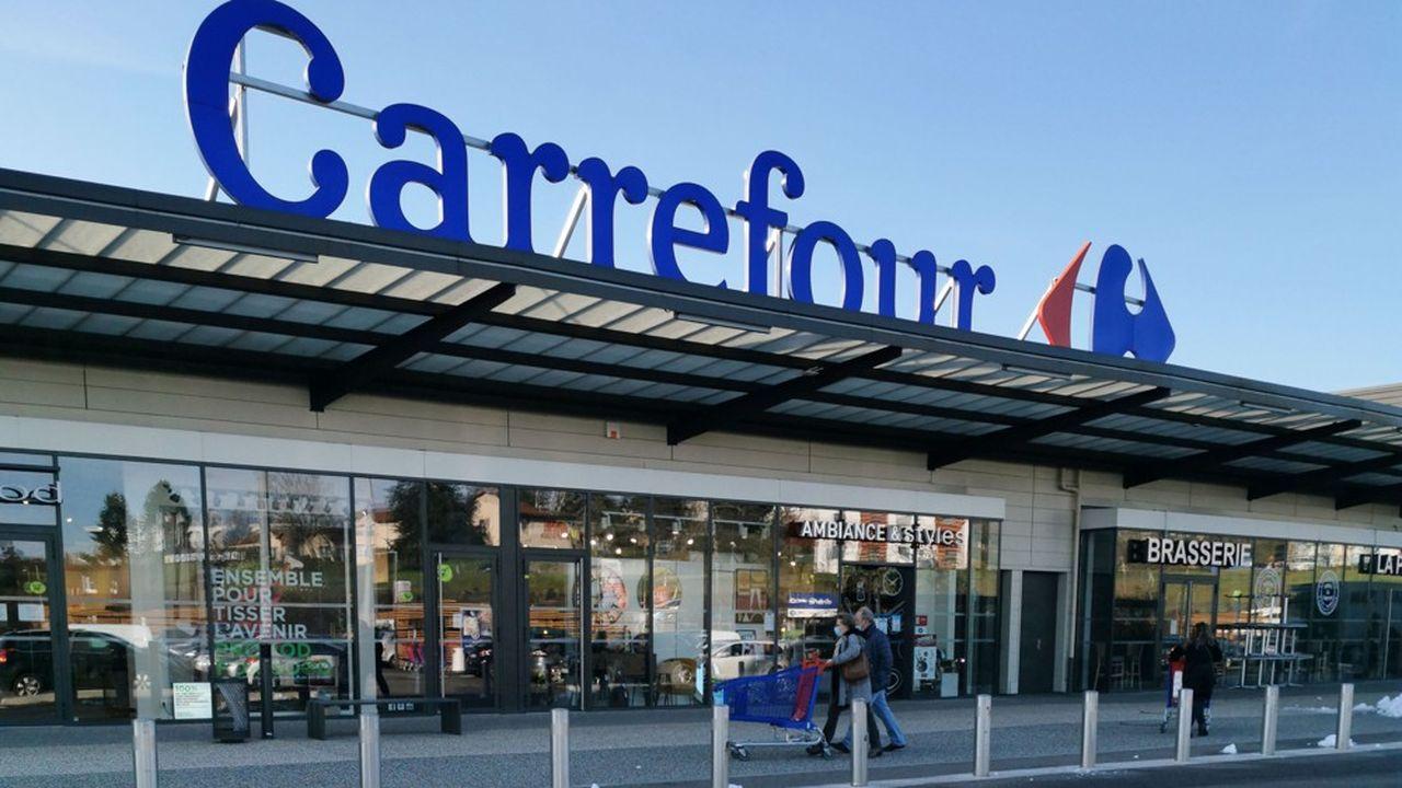 Groupe Agache, l'un des holdings de Bernard Arnault, sort du capital de Carrefour après près de 15 ans de présence.