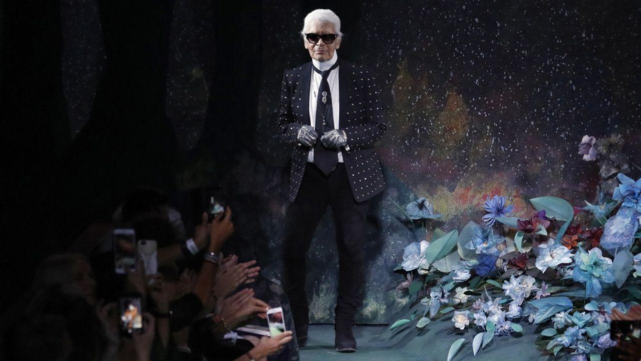Disney+ a annoncé une série sur Karl Lagerfeld, conçue en sixépisodes de 50minutes. Elle débutera dans les années1970 et mettra notamment en lumière la rivalité entre le couturier et Pierre Bergé (alors partenaire d'Yves Saint Laurent).