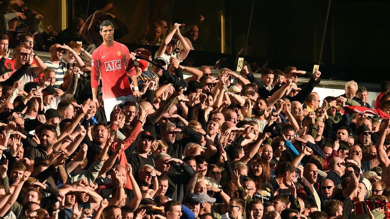Le transfert du Portugais Cristiano Ronaldo de la Juventus de Turin à Manchester United a suscité l'engouement des supporters, qui retrouvent l'une de leurs idoles.
