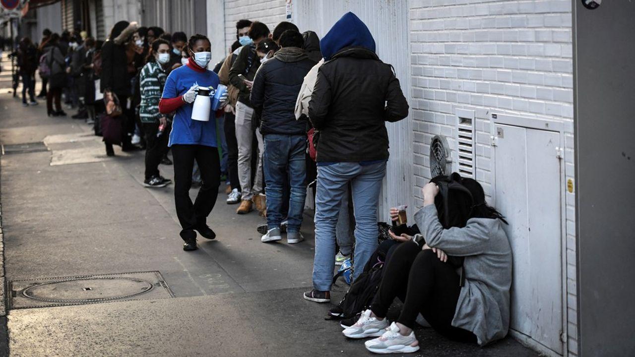 En 2019, 13,6% des Français vivant en métropole étaient considérés «à risque de pauvreté monétaire».