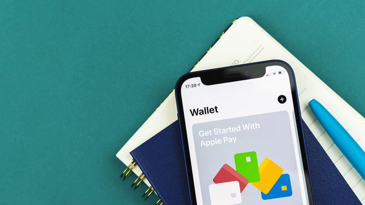 Apple indica inoltre che l'amministrazione federale incaricata della sicurezza dei trasporti sperimenterà la presentazione di documenti di identità tramite Apple Wallet in una manciata di aeroporti.
