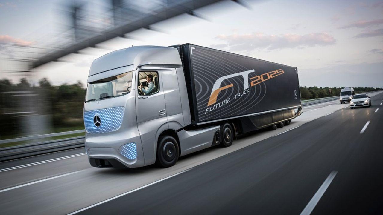 Mercedes-Benz envisageait de commercialiser un camion autonome en 2025, mais évoque maintenant un calendrier de 2028-2029.