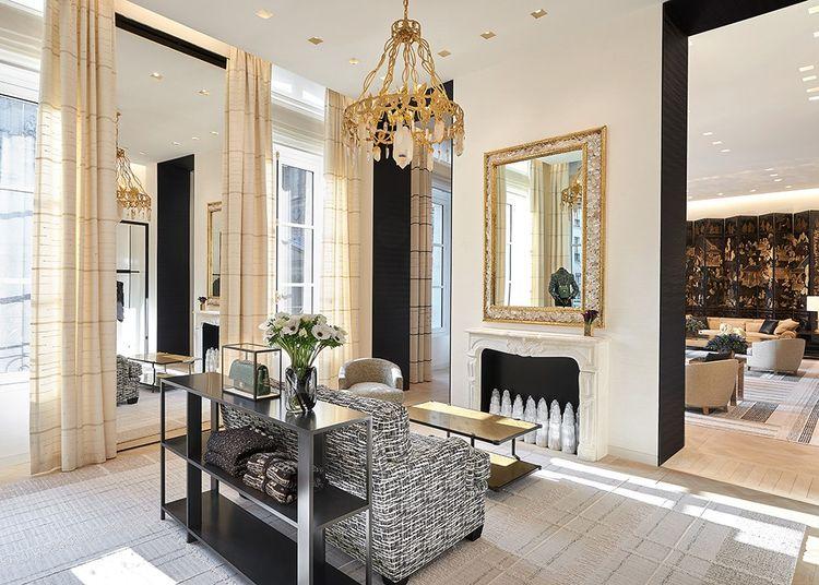Boutique Chanel 19 rue Cambon, Paris. Peter Marino a créé la plupart des points de ventes de la marque.