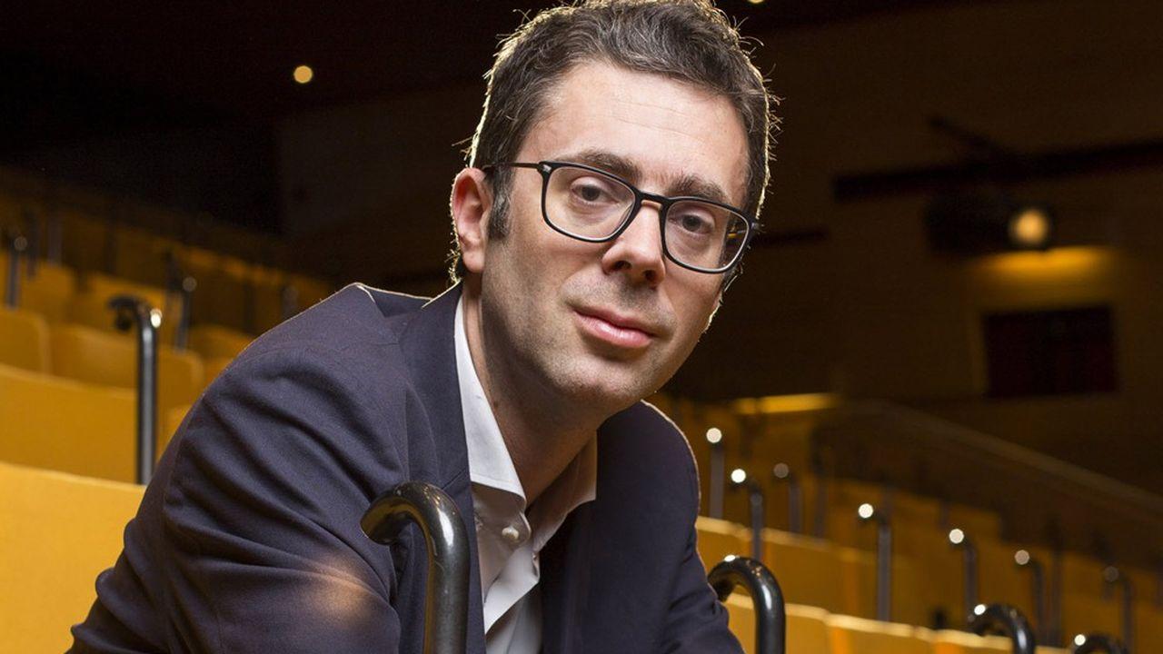 Nicolas Bouzou, économiste et essayiste français, est directeur du cabinet de conseil Asterès.