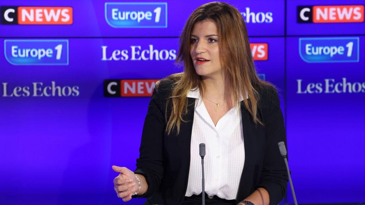 La ministre assure que les réfugiés sont des Français, des Franco-Afghans ainsi que des Afghans «qui partagent nos valeurs.»