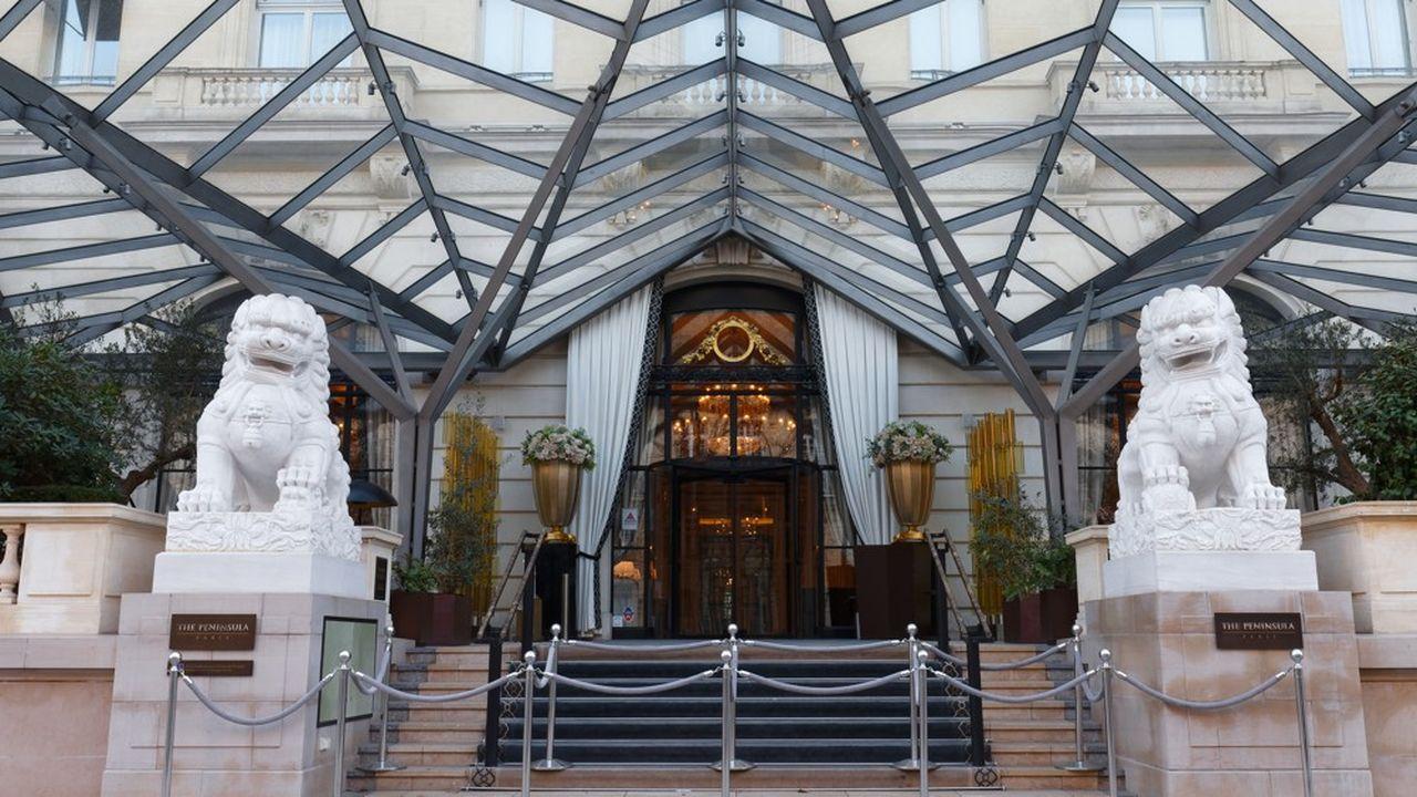 L'ouverture, à l'été 2014, du Peninsula, à proximité de l'Arc de triomphe, témoigne de l'arrivée en force des chaînes de luxe asiatiques au cours de la dernière décennie. Non sans de lourds investissements.