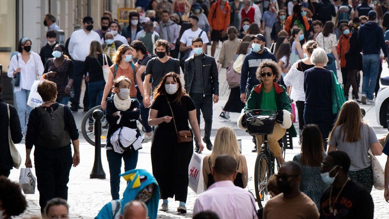Les mesures telles que le masque ou le passe sanitaire devraient suffire à l'automne pour contenir un rebond épidémique.