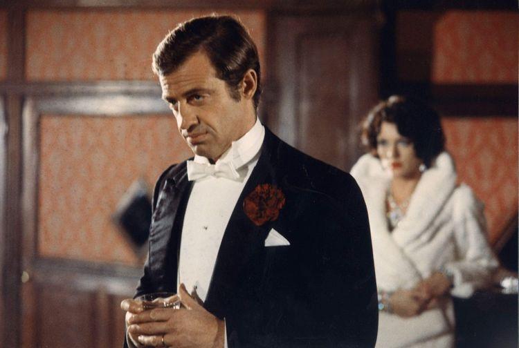 L'acteur tente de revenir à sa face plus sombre avec «Stavisky» d'Alain Resnais.