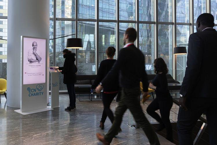 Opération de micro-dons organisée par la société de property management Humakey dans la tour CBX à La Défense. En septembre2021, une nouvelle initiative Charity centrée sur «l'inclusivité des lieux» sera menée avec Invesco sur l'immeuble Capital 8 et Amundi Immobilier sur Vivacity et Curves. Elle viendra renforcer les engagements ESG des investisseurs sur le plan sociétal avec une résonance auprès des locataires et utilisateurs des lieux.