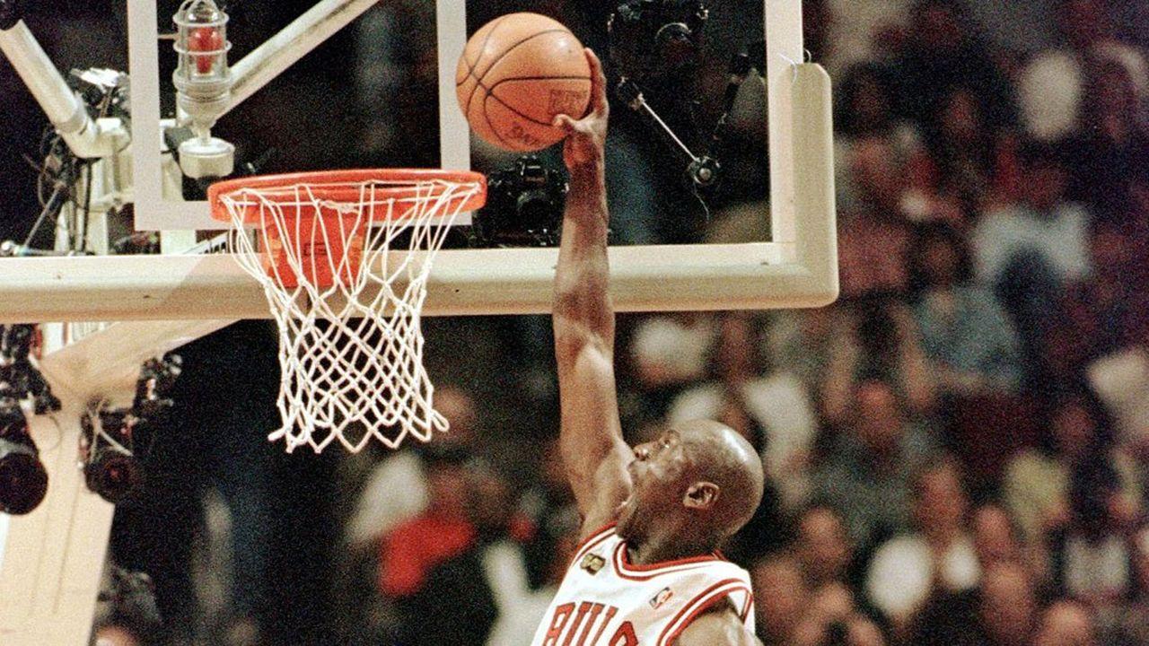 Les fichiers vidéo des paniers de basket les plus spectaculaires (ici Michael Jordan) s'arrachent à prix d'or grâce aux NFT.