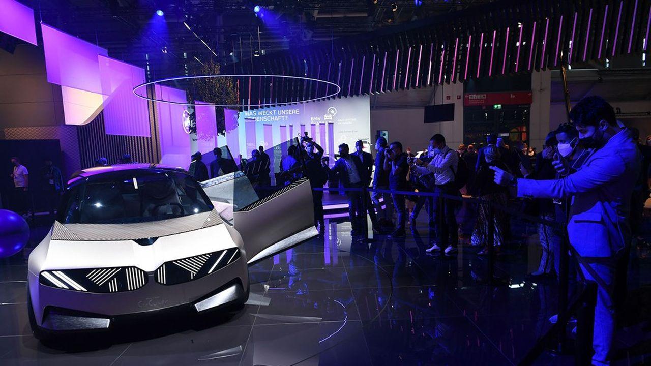 Présenté au Salon automobile de Munich, le concept car i Vision Circular a été réalisé entièrement en matériaux recyclés et recyclables.