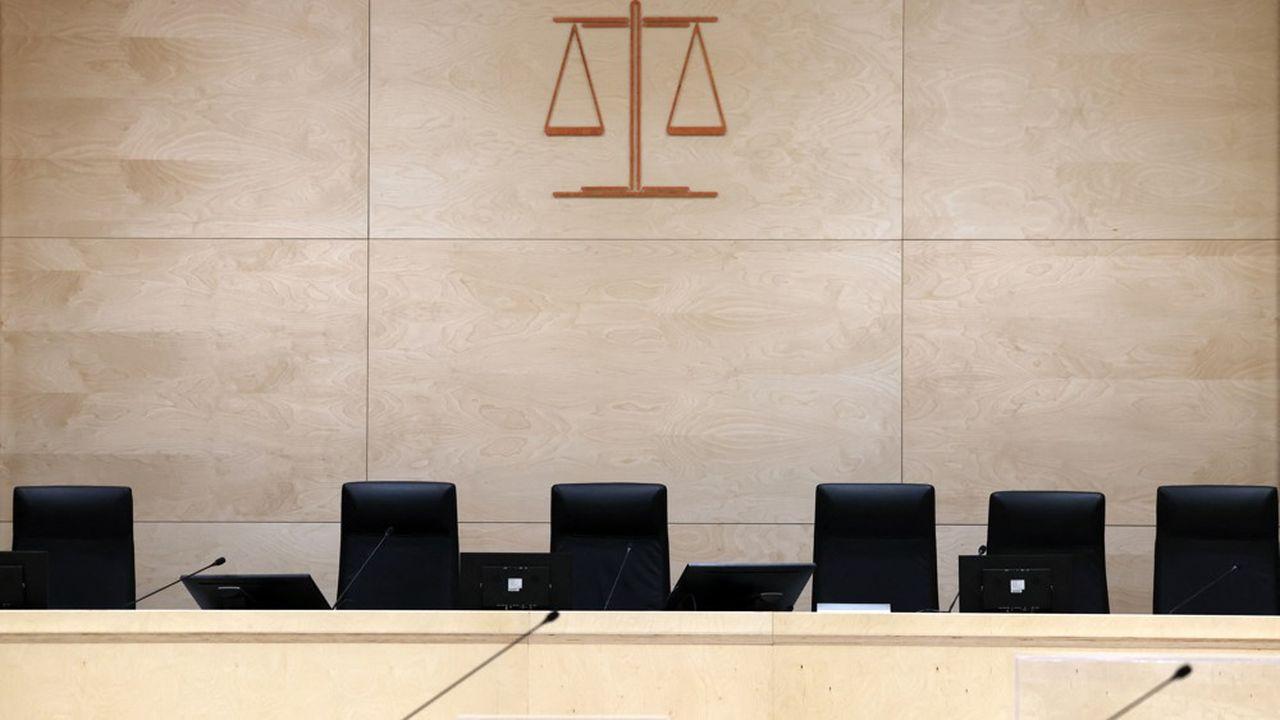 La cour d'assises est composée de cinq magistrats professionnels.