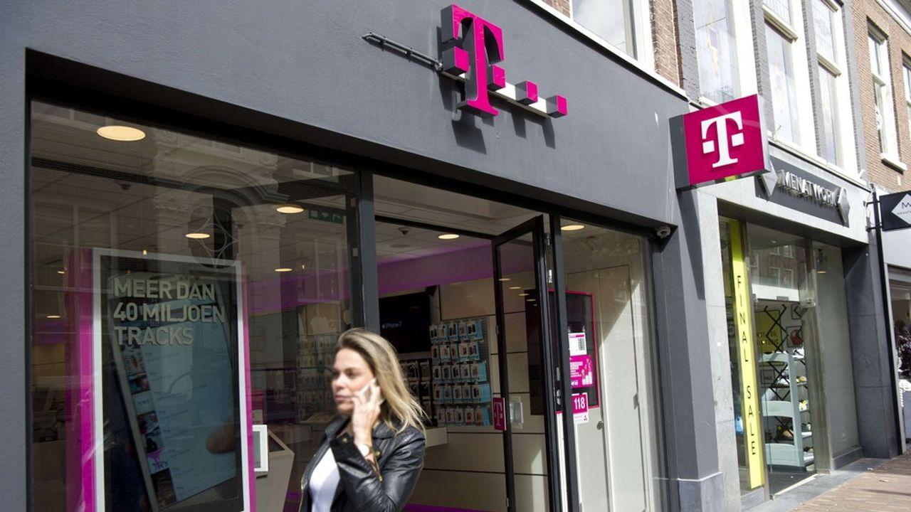 Une boutique de T-Mobile à Haarlem aux Pays-Bas. L'opérateur était devenu en2020 le numéroun sur le mobile dans le pays avec 42% du marché.