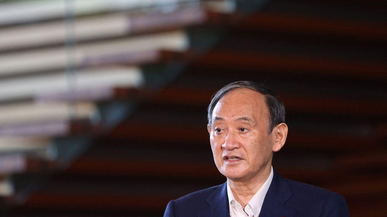 L'impopularité du Premier ministre Yoshihide Suga menaçait la majorité au pouvoir, en amont des élections législatives attendues en novembre.