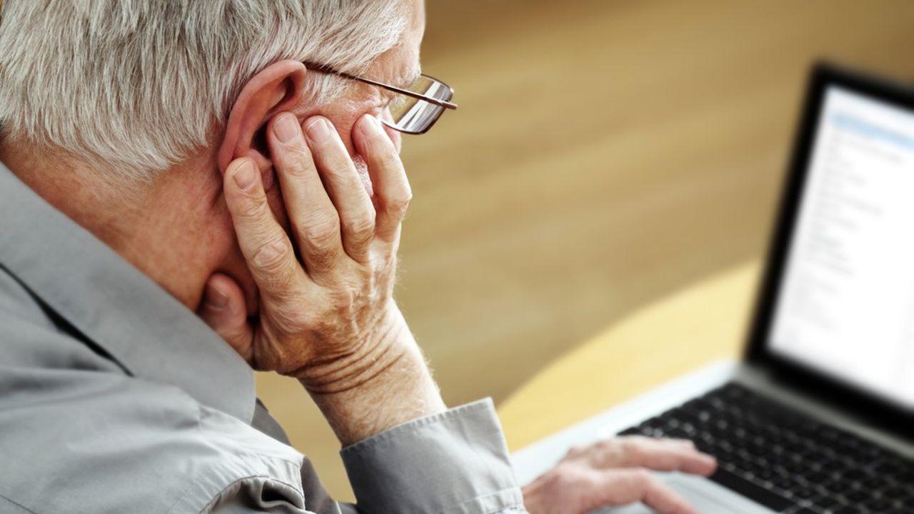 Plus de la moitié des plus de 75 ans n'ont pas accès à Internet depuis leur domicile.