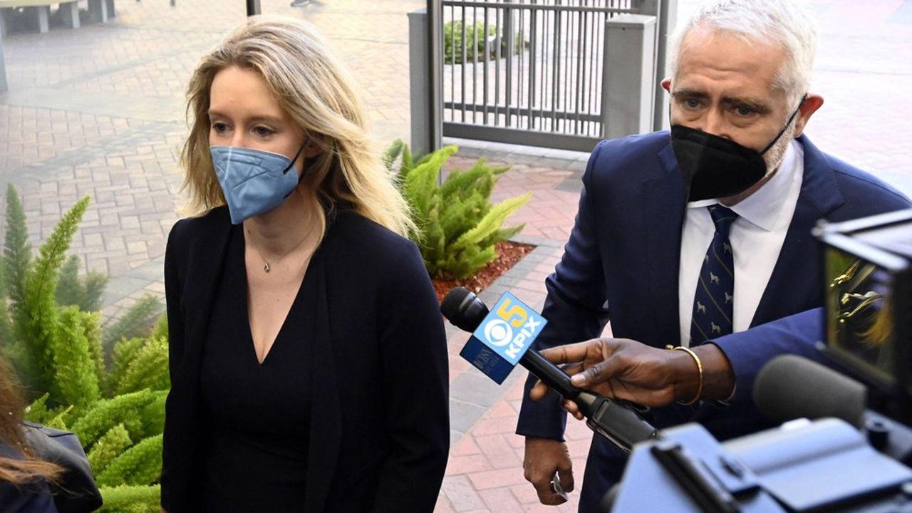 Elizabeth Holmes est jugée pour douze chefs d'accusation, dont la fraude.