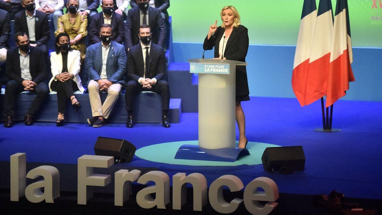 Marine Le Pen lancera sa campagne présidentielle dimanche à Fréjus, mais elle se heurte à un caillou nommé Eric Zemmour.
