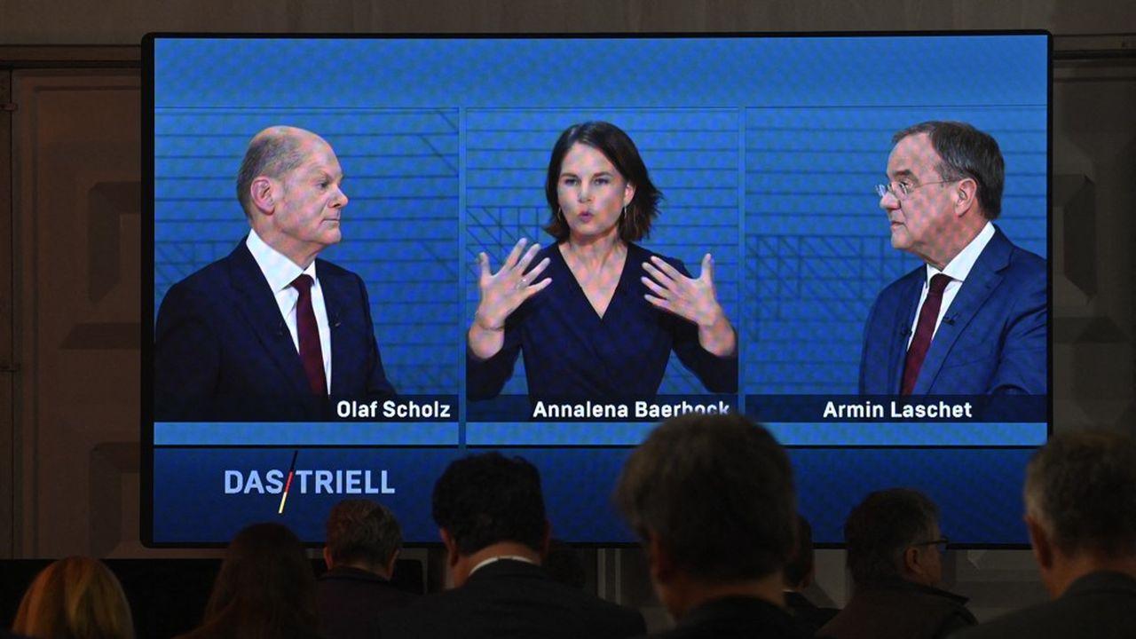 Selon un sondage mené au sortir du débat dimanche soir, 41% des personnes interrogées estimaient qu'Olaf Scholz avait été le plus convaincant contre 27% pour Armin Laschet et 25% pour Annalena Baerbock.
