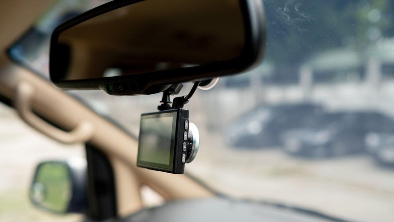 Les «dash cams» sont encouragées par les assureurs, qui n'hésitent pas à consentir des rabais à leurs clients lorsqu'ils acceptent de s'équiper.